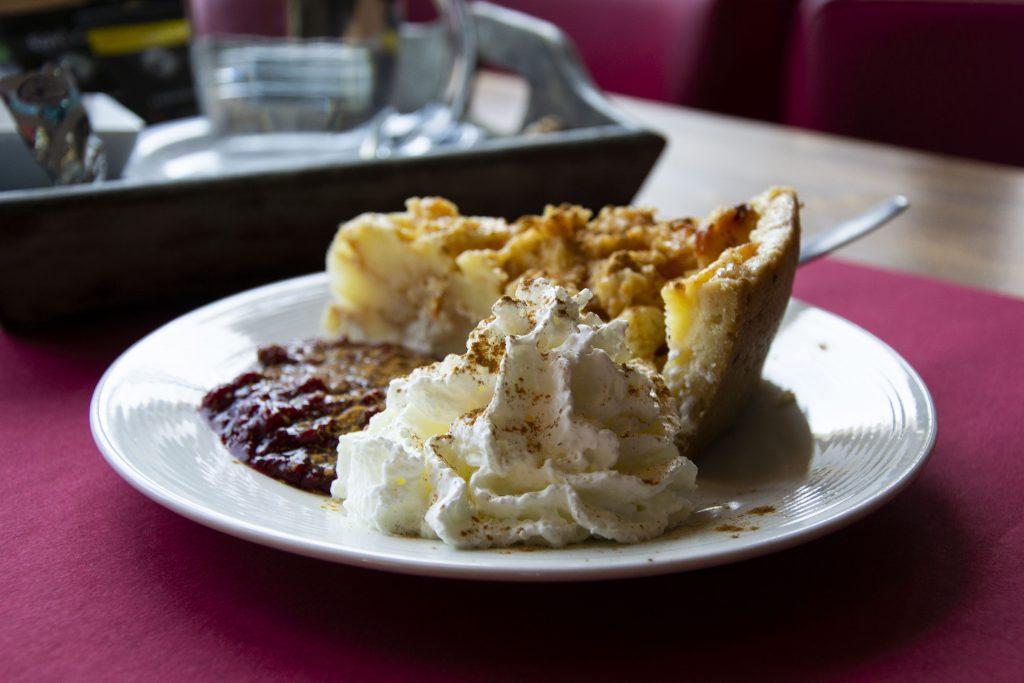 Dagelijks hebben wij wisselend, vers gebak voor u. Kom genieten bij AnyTyme Snack & Dine de Woage in Halle!